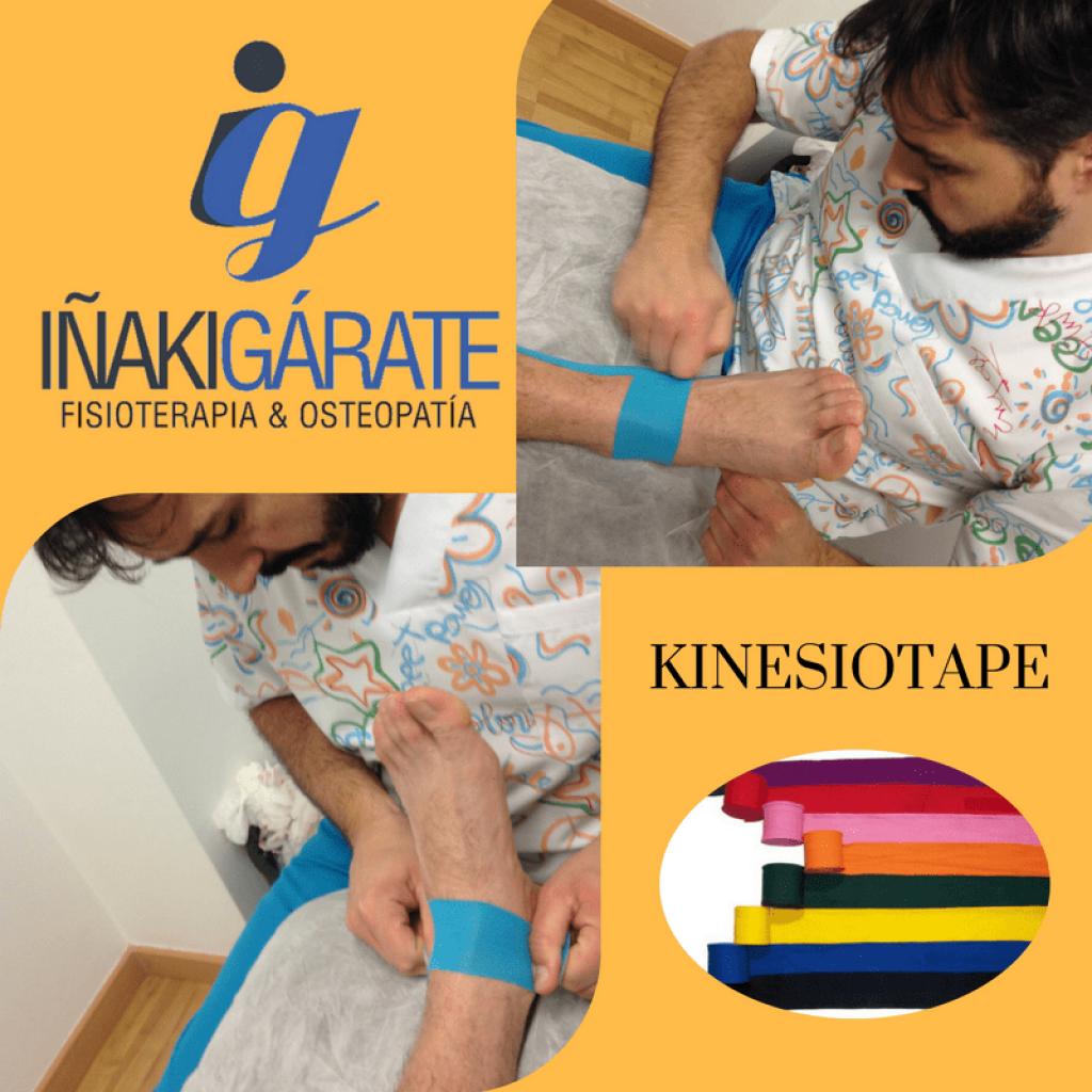 Iñaki aplicando unas cintas de kinesiotape